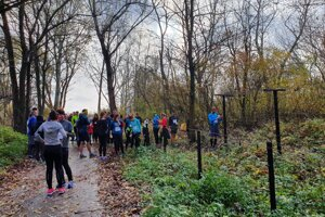 About 50 people ran on November 17 to commemorate the 42 people who were killed at the Iron Curtain between former Czechoslovakia and Austria in their attempts to flee the Czechoslovak Socialist Republic in 1948-1989.