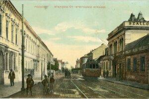 The historical look of Štefánikova Street.