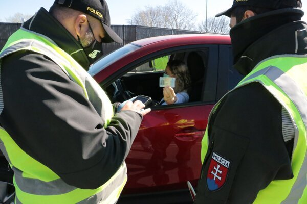 Restrictions at Slovakia's borders with Austria, Czech Republic, Poland, and Hungary were extended until May 27, the government decided on May 7.