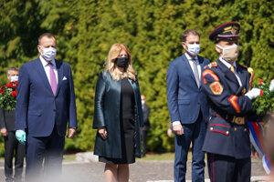 l-r: Speaker of Parliament Boris Kollár, President Zuzana Čaputová and PM Igor Matovič laid wreaths at the Háj-Nicovô memorial in Liptovský Mikuláš.