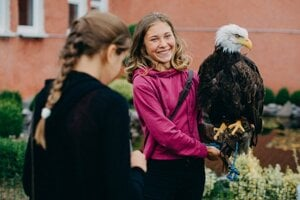 Pupils at Maximilán Hell Primary School in Štiavnické Bane study falconry as a compulsory subject from Year 5.