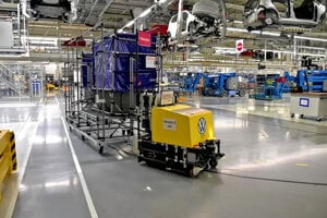 The CEIT's automated guided vehicle in action at the Volkswagen Slovakia plant in Bratislava.