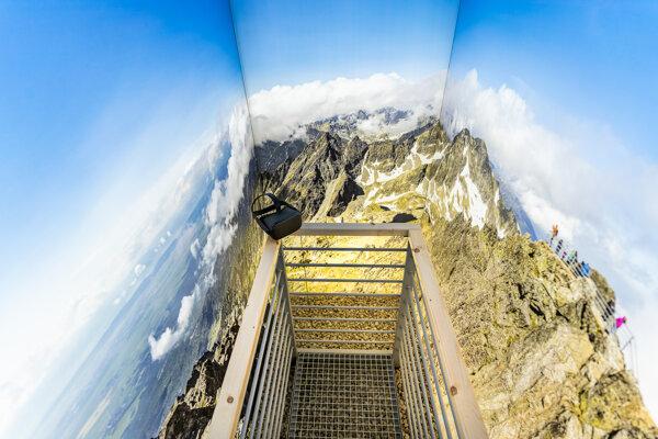 Virtual view from Lomnický peak