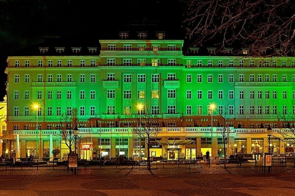 Hotel Carlton was green in 2014 for the first time.
