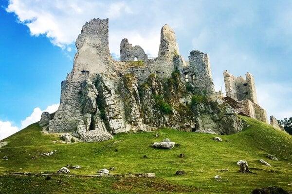 Hrušov Castle