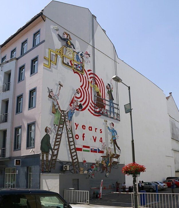 The mural is painted on a building at 3 Gorkého Street in Bratislava on the occasion of the creation of the Visegrad Group 30 years ago and the Polish Presidency, which ended on June 30. The same mural can be found in Prague, Budapest and Warsaw.