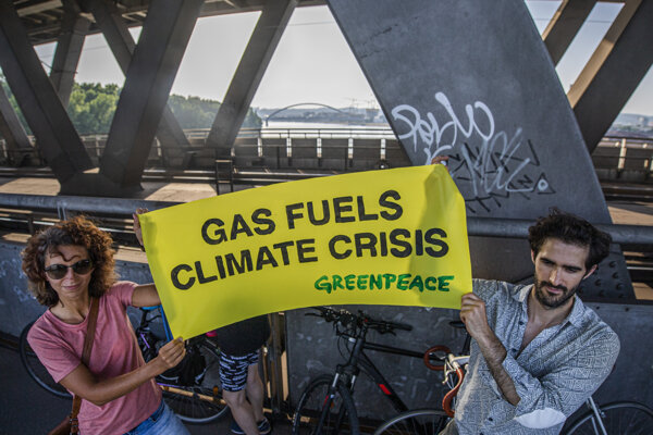 Activists protest against a planned LNG terminal.