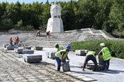Reconstruction work on the Monument of Liberation and Victory, unveiled in 1955 in the Dargov mountain pass, which commemorates the liberation of eastern Slovakia from Nazism.