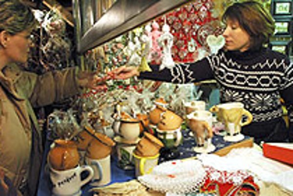 Many stalls at Christmas markets accept euros, making it easy for tourists to shop.