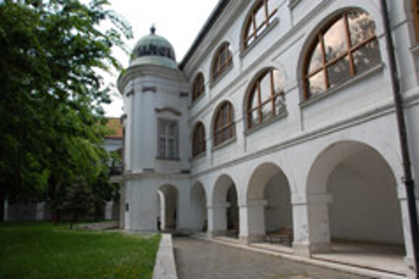 The SNG's Baroque Water Barracks house Ghotic and Baroque art works.