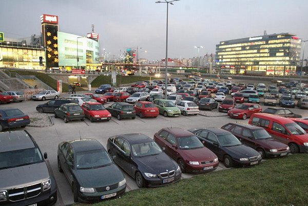 Full shopping mall carparks have replaced Advent as the harbinger of Christmas.