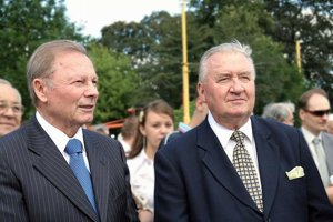 Michal Kováč (right) was the first president of independent Slovakia, serving from 1993 to 1998. His successor, Rudolf Schuster (left) was elected in 1999.