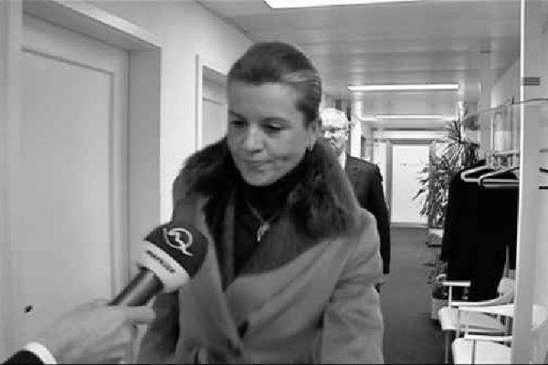 Jana Lütken faces the media.