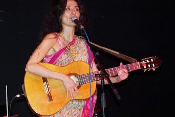 Timna Brauer in concert