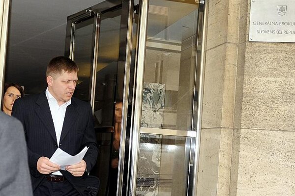 Prime Minister Robert Fico said he would sue the editor-in-chief of the Sme daily.