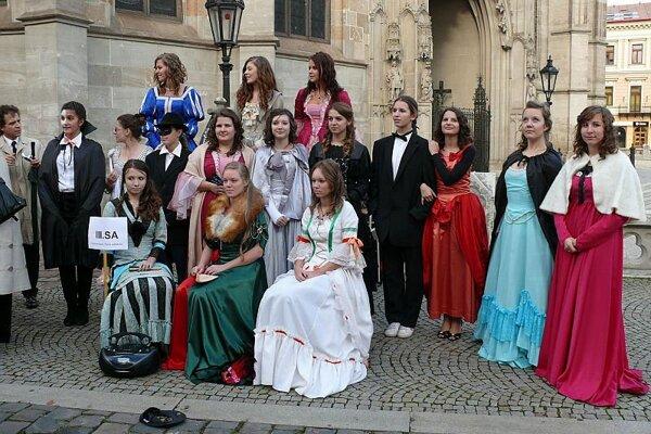Košice students celebrate Spanish culture.