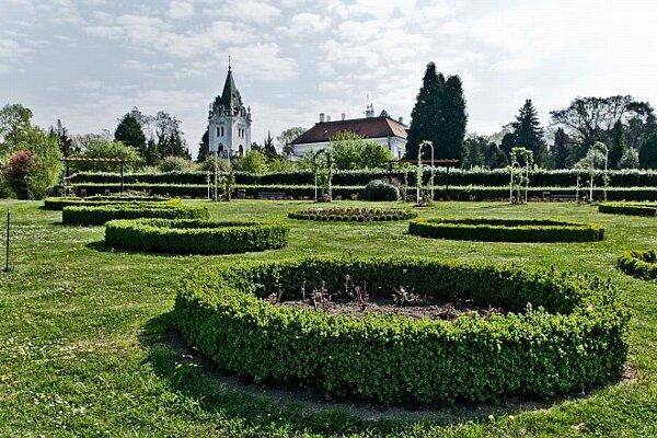 The arboretum in Mlyňany.