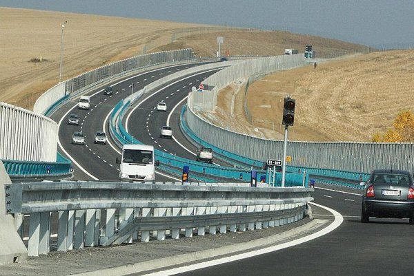 The new section of the R1 is now open.