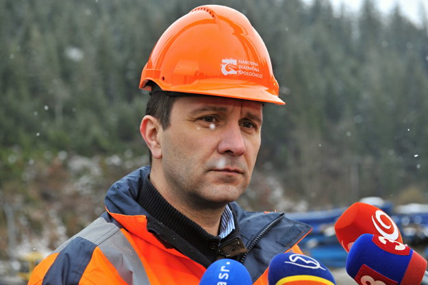 Milan Gajdoš making on-site audit at highway construction.
