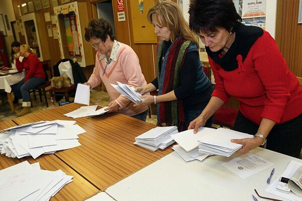 Pollsters predict there will be fewer votes to count.