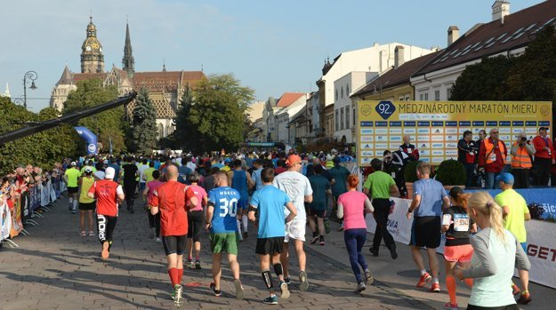 Marthon runners filled the streets of Košice.