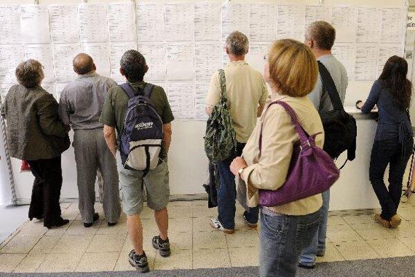 The number of vacancies decreased over December