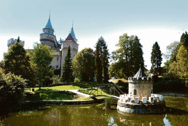 Bojnice Castle is a well-known tourist attraction in Upper Nitra. Government wants to boost tourism in the region when mining stops there.