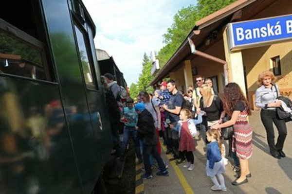 In Banská Bystrica, a historicla train wa spart of the event.