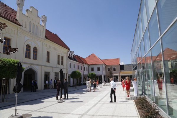 D1 Expo - Business Centre