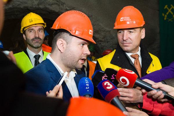 Auxt (C) with ex-minister Brecely (R) and Žilina regional governor Juraj Blanár