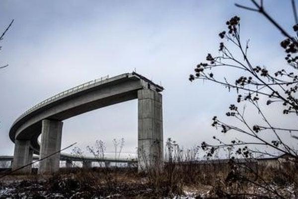 Highway bridge at Dolný Hričov