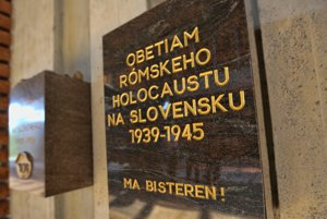 The commemorative plaque was unveiled at SNP Museum in Banská Bystrica.