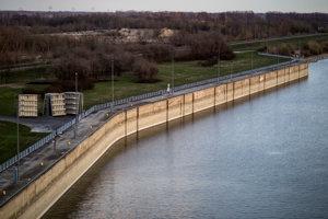 Water dam in Gabčíkovo.