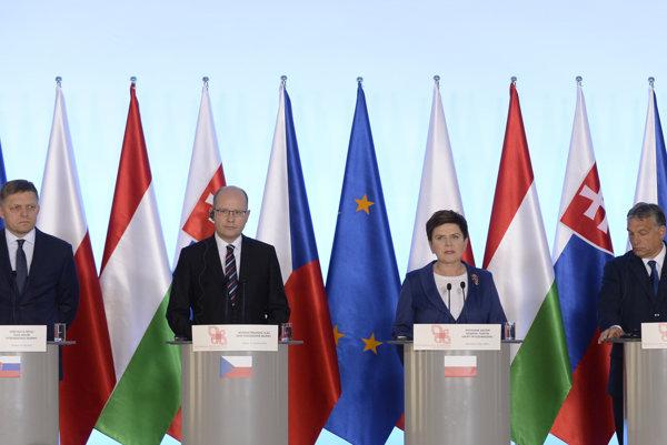 V4 leaders (l-r): Slovak PM Robert Fico, Czech PM Bohuslav Sobotka, Polish PM Beata Szydło, Hungarian PM Viktor Orbán