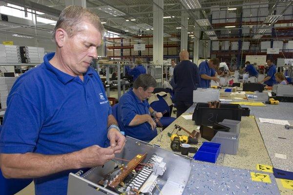 Norwegian company Eltek Energy SA opened its new production premises in Liptovský Hrádok in 2006.