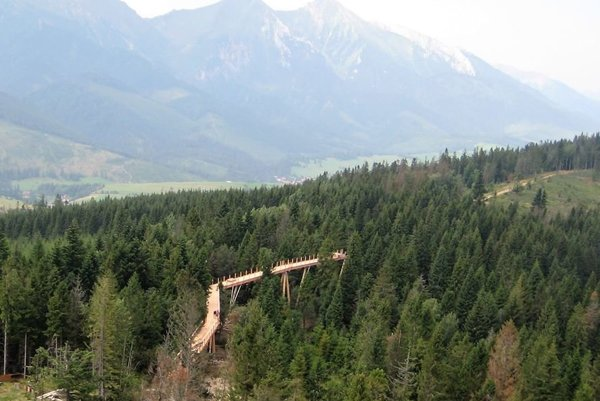 New eudcaiton path in treetops opened in Bachledova Dolina