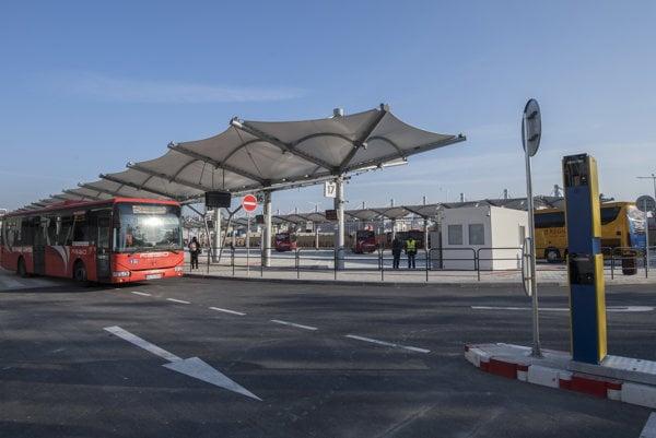 The temporary bus station on Bottova Street