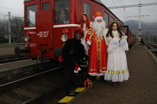Seasonal rides with historical trains are especially popular among children and families.