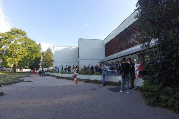 queuing in Petržalka
