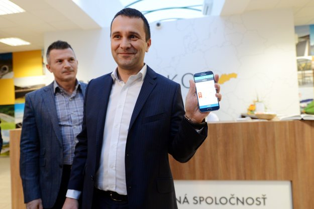NDS director Milan Gajdoš with mobile e-sticker.