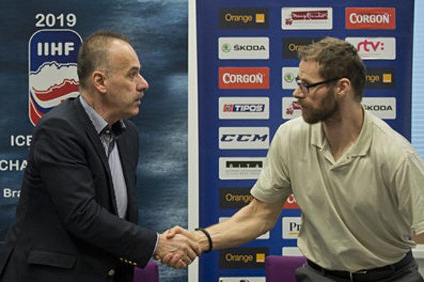 Slovak Ice Hockey Federation (SZLH) President Igor Nemeček and Michal Handzuš, representing Slovak ice hockey players boycotting the national team, signed a public commitment.