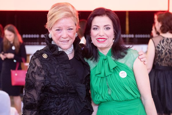 Wendy Luers (left) with Pontis Foundation director Lenka Surotchak during the Via Bona award ceremony.
