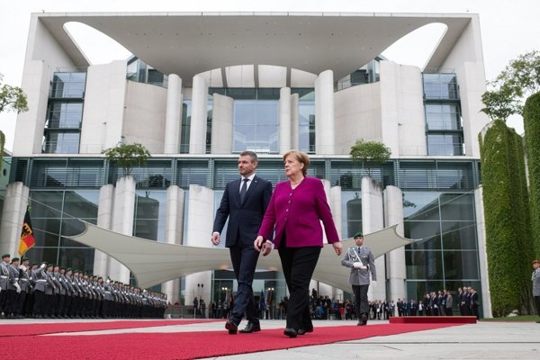 Slovak PM Peter Pellegrini and German Chancellor Angela Merkel