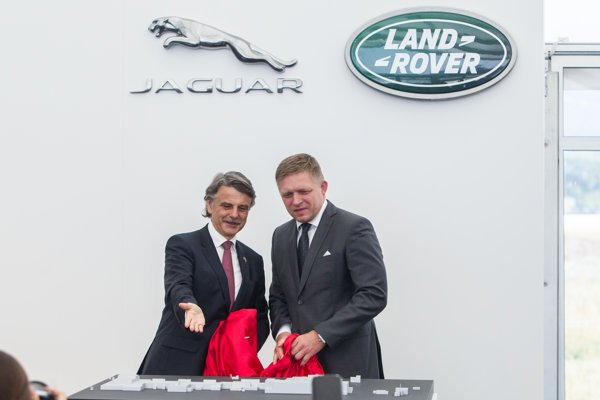 The construction of the Jaguar Land Rover plant in Nitra started in September 2016 in the presence of global director of Jaguar Land Rover, Ralf Speth, and then-Slovak Prime Minister Robert Fico.