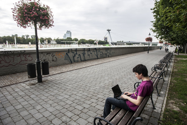 Users can connect to free WiFi along the Danube Embankment.