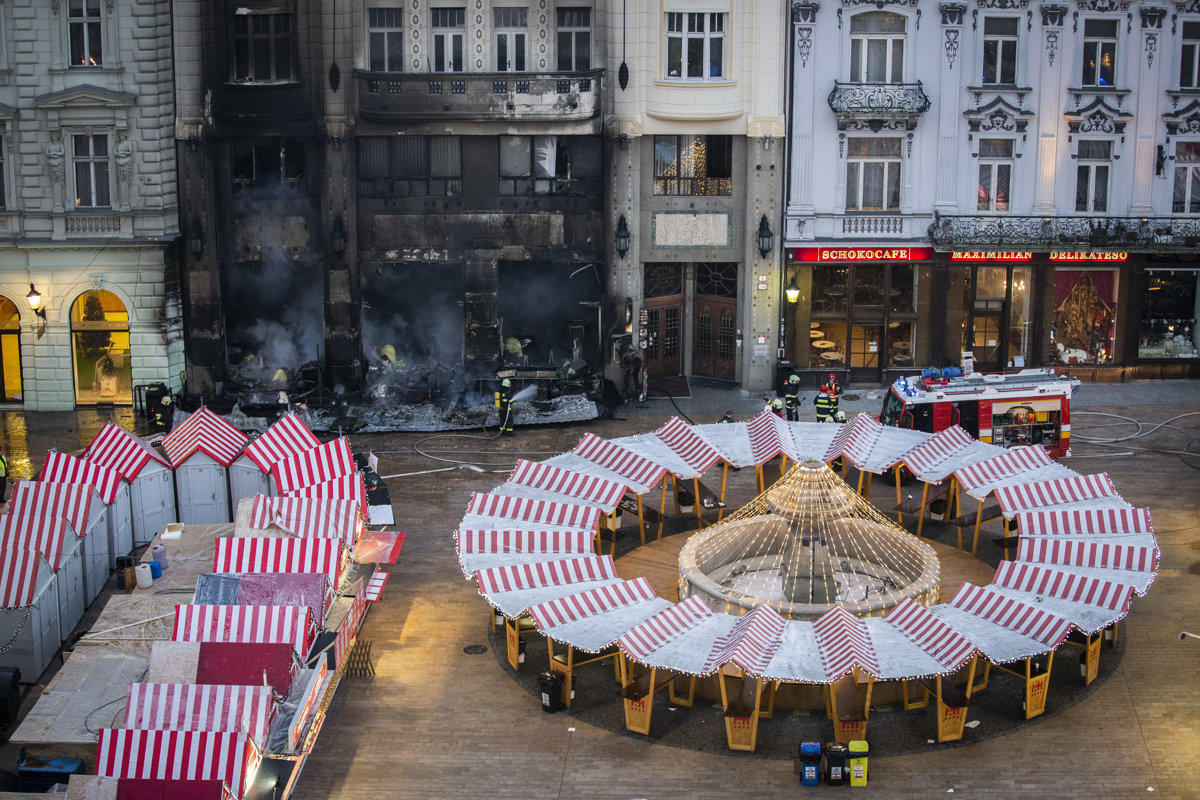 A stall at Bratislava s Christmas market caught on fire - spectator ... 9c24741ea5d