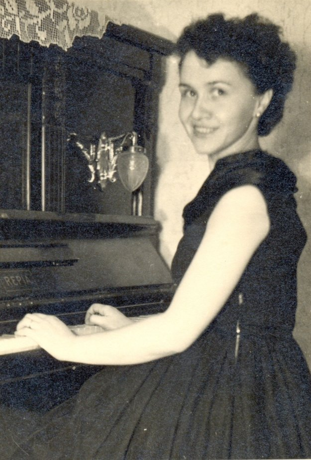 Angela Bajnoková and her beloved pianino
