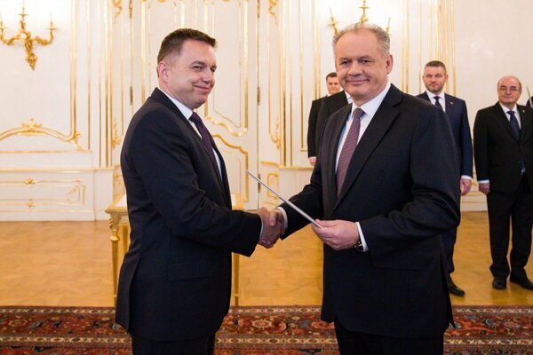 President Andrej Kiska appoints Finance Minister Peter Kažimír as a new NBS governor.