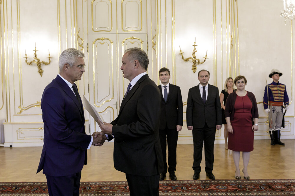 Ivan Korčok receives credentials as Slovakia's Ambassador to the US from President Andrej Kiska in 2018.