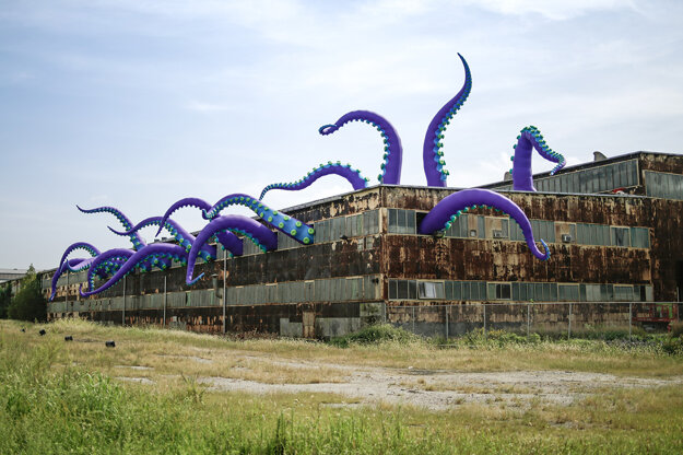 Octopus by British Filthy Luker & Pedro Estrellas